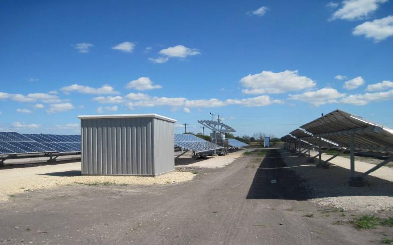 hurricane tolerant solar pv array